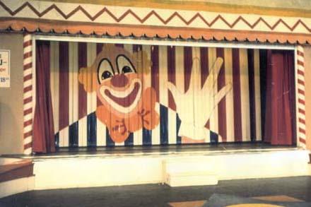 Ridå, design och färgsättning Lilla Manegen, Liseberg, Göteborg, 1986