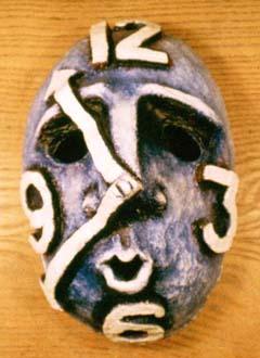 """Tid"" Mask i papier-maché och akrylfärg Privat ägo, 1986"