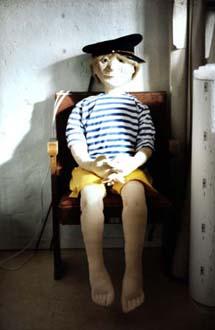 """Niklas Nilsson"" Docka, papier-maché mm, ca 130 cm hög Sjöfartsmuseet i Göteborg, 1997"