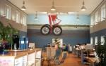 """Flyg"", Mölnlycke Fabriker, 3,5 m X 9 m, muralmålning, Flashe vinylfärg Kund: MSAS Aerocar Logistics AB"