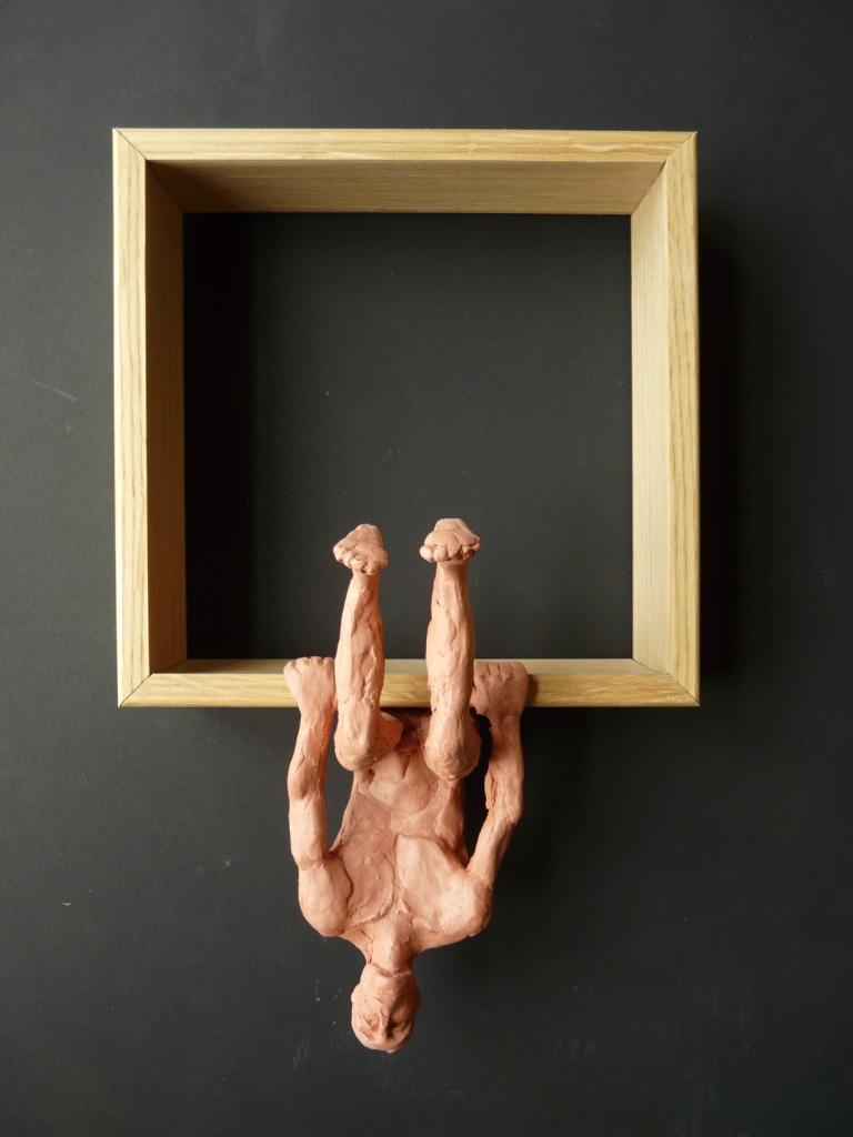 """""""Man 10"""", lufttorkad lera i låda av ek, 2008"""