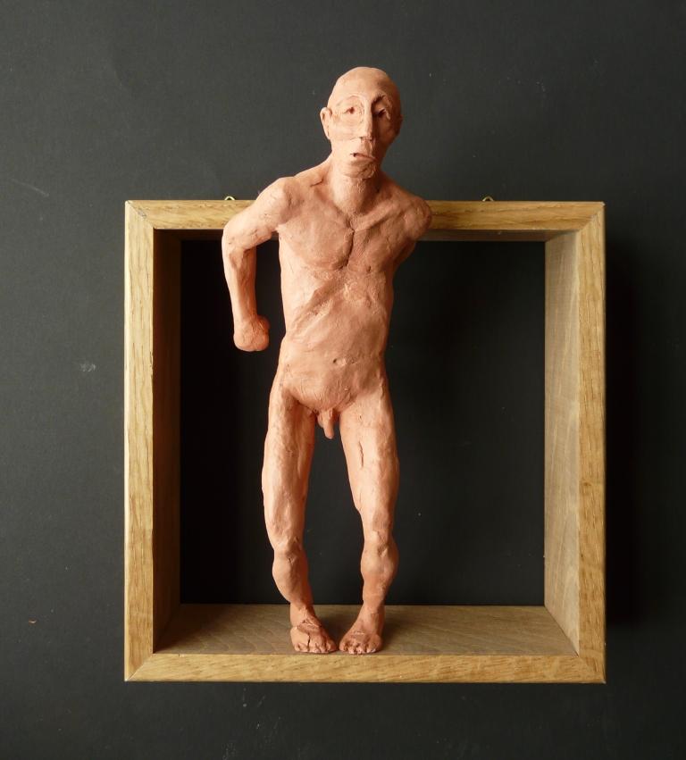 """""""Man 18"""", lufttorkad lera i låda av ek, 2008"""