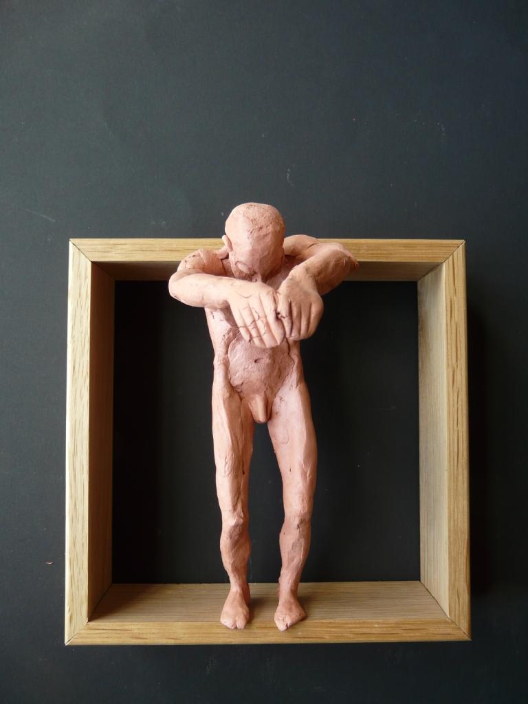 """""""Man 25"""", lufttorkad lera i låda av ek, 2008"""