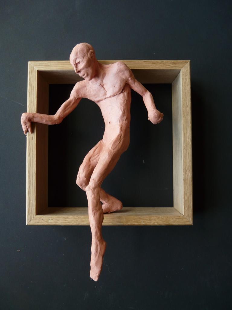 """""""Man 29"""", lufttorkad lera i låda av ek, 2008"""