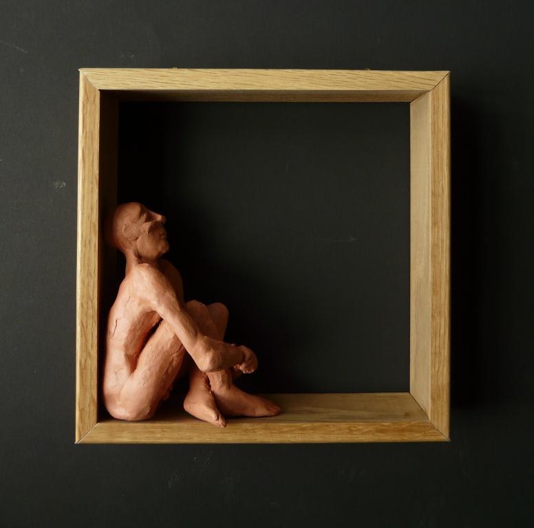 """""""Man 5"""", lufttorkad lera i låda av ek, 2008"""