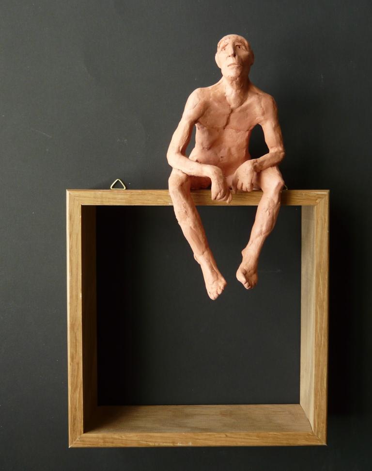 """""""Man 6"""", lufttorkad lera i låda av ek, 2008"""