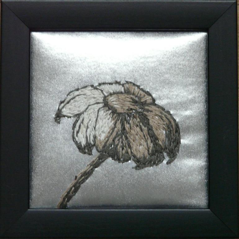 """""""Vissen"""", fritt broderi, 12 x 12 cm, 2010"""